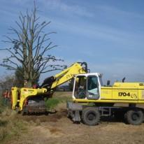 Bomen verplantmachine in Wageningen